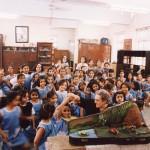 """Gastspiel mit der """"Grille""""  an einer Schule in Mumbai; Indien 2003"""